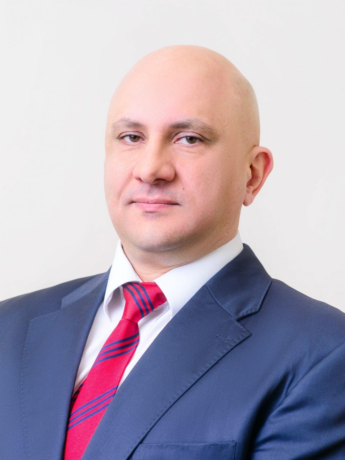 Д-р Светозар Шкутов